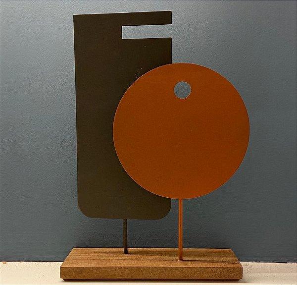 Escultura Geométricas em Metal