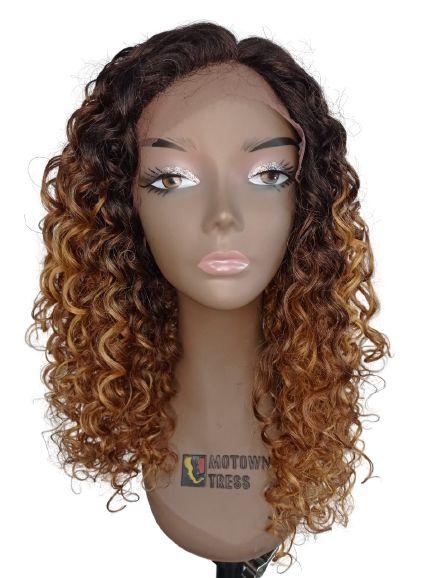 Peruca Front Lace Parabéns - True Me ( cor TTSN4/30EII/26B/26D - Raiz castanho médio + cobre e ombre hair nas pontas loiro mel e loiro médio)