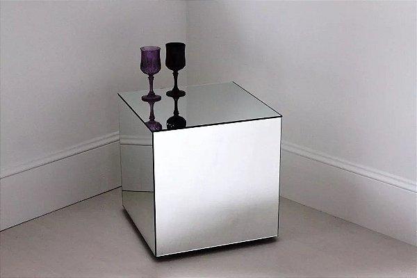 Mesa De Canto Espelhada Lapidada 60x60x60