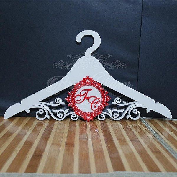 Cabide com Monograma Pintado Personalizado com as Iniciais dos Noivos Casamento ou Debutante