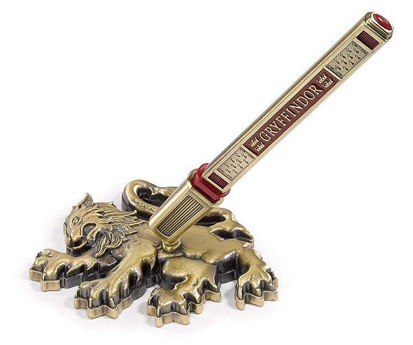 Caneta Oficial Grifinoria (Gryffindor) Brasão de Leão como Base por Noble Collection