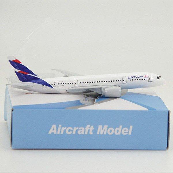 Maquete Boeing 787 Latam Airlines