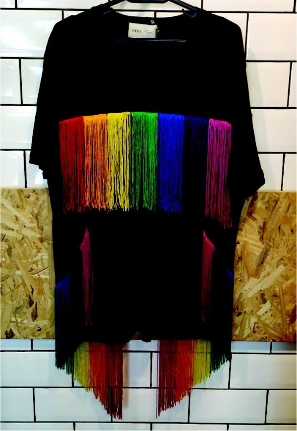 Camiseta Recortes Rainbow