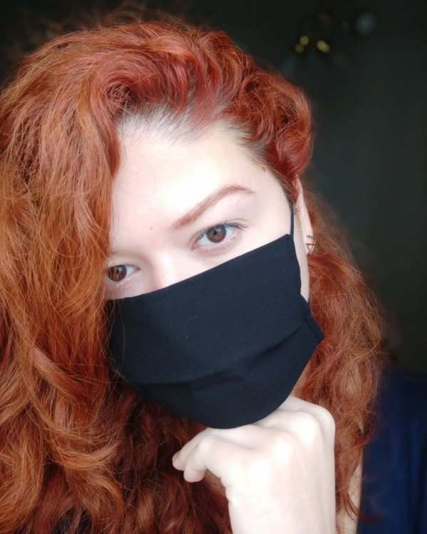 Máscara de tecido preta