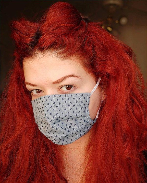 Máscara de tecido florzinhas