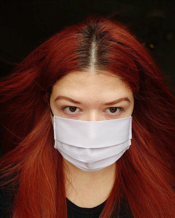 Máscara de tecido lilás