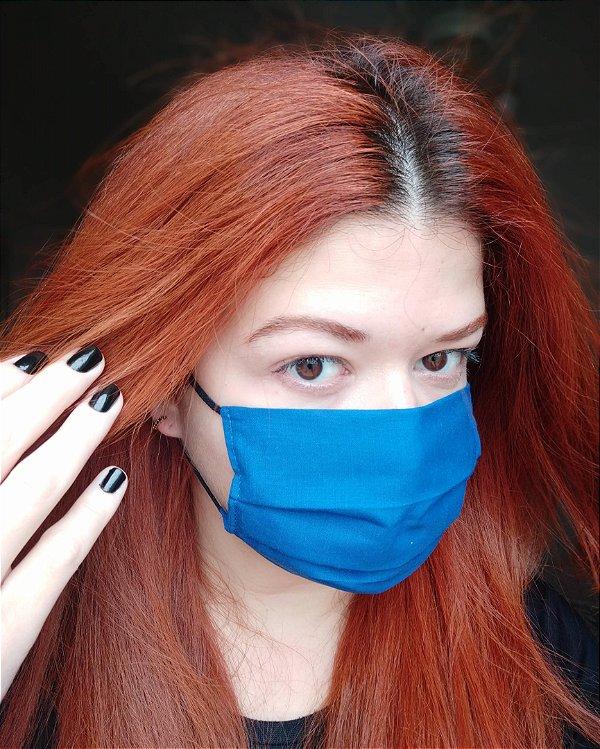 Máscara de tecido azul klein