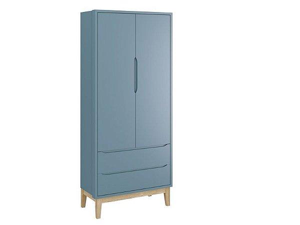 Roupeiro Classic 02 portas Azul com pés em madeira natural - Reller