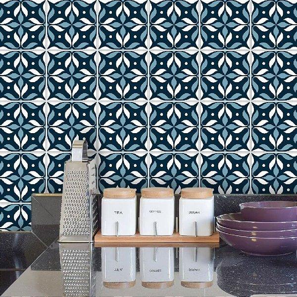 Papel de Parede Azulejo em Tons de Cinza e Azul