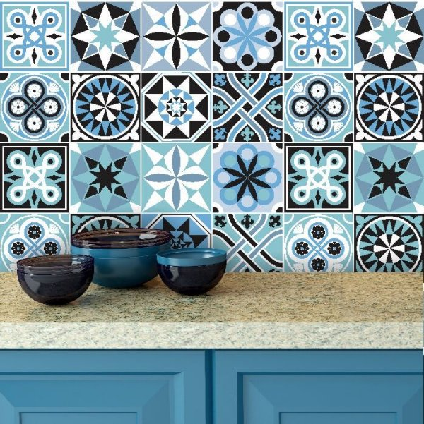 Adesivo de Azulejo Hidráulico em Tons de Azul e Preto