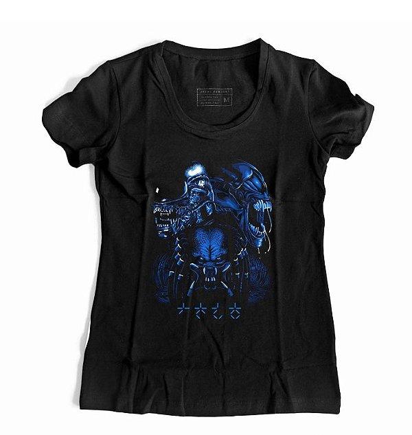 Camiseta Feminina Alien VS Predador