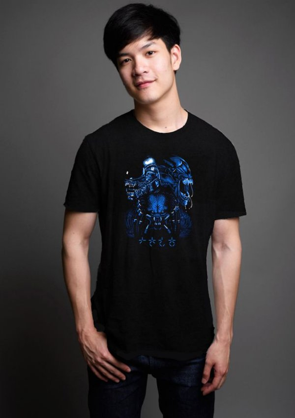 Camiseta Masculina  Aliens vs Predador
