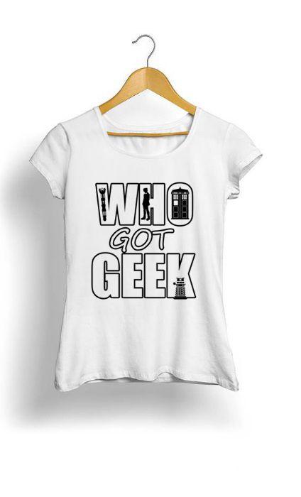 Camiseta Feminina Tropicalli Who got geek