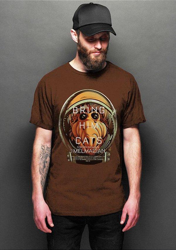 Camiseta Masculina .ALF Bring Him Cats - Nerd e Geek - Presentes Criativos