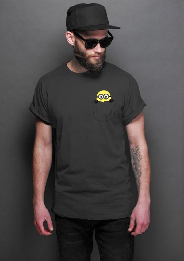 Camiseta Masculina  Minion Bolso - Nerd e Geek - Presentes Criativos