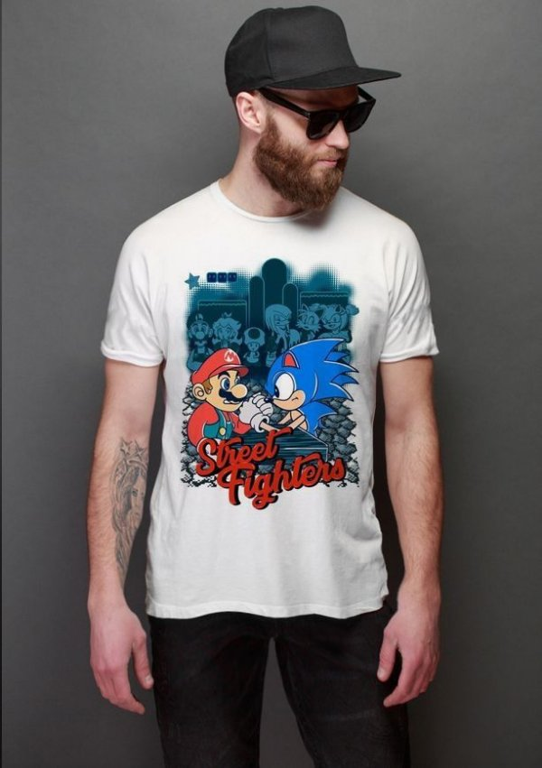 Camiseta  Sonic  vs Mario Street Fighters