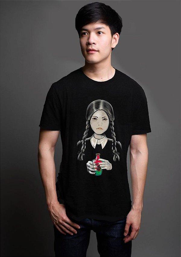 Camiseta Masculina  A Família Addams - Wandinha Addams - Nerd e Geek - Presentes Criativos