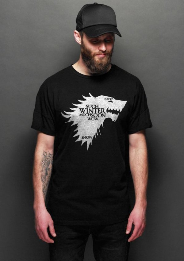 Camiseta Masculina  Game of Thrones Wolf Preto - Nerd e Geek - Presentes Criativos