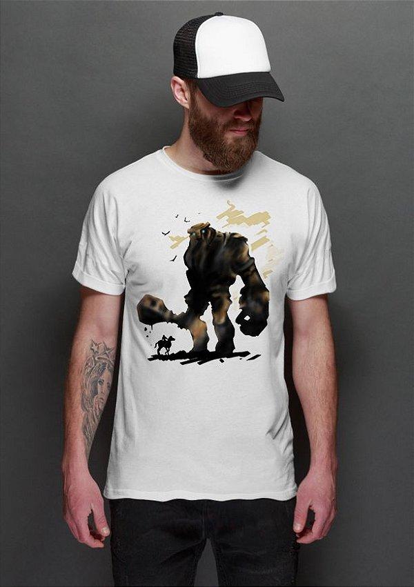 Camiseta Masculina Shadow of the Colossus - Nerd e Geek - Presentes Criativos