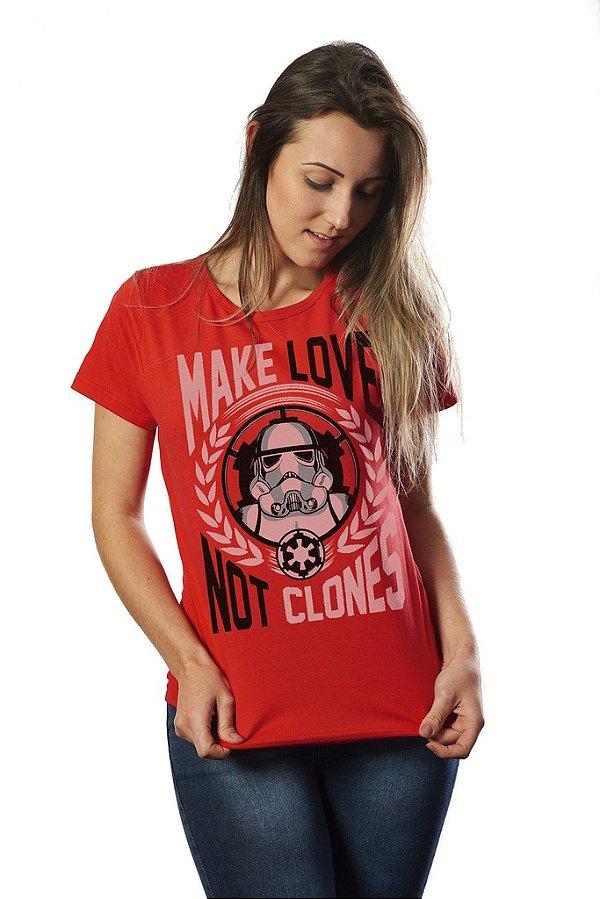 Camiseta Feminina Star Wars Make Love Not Clones