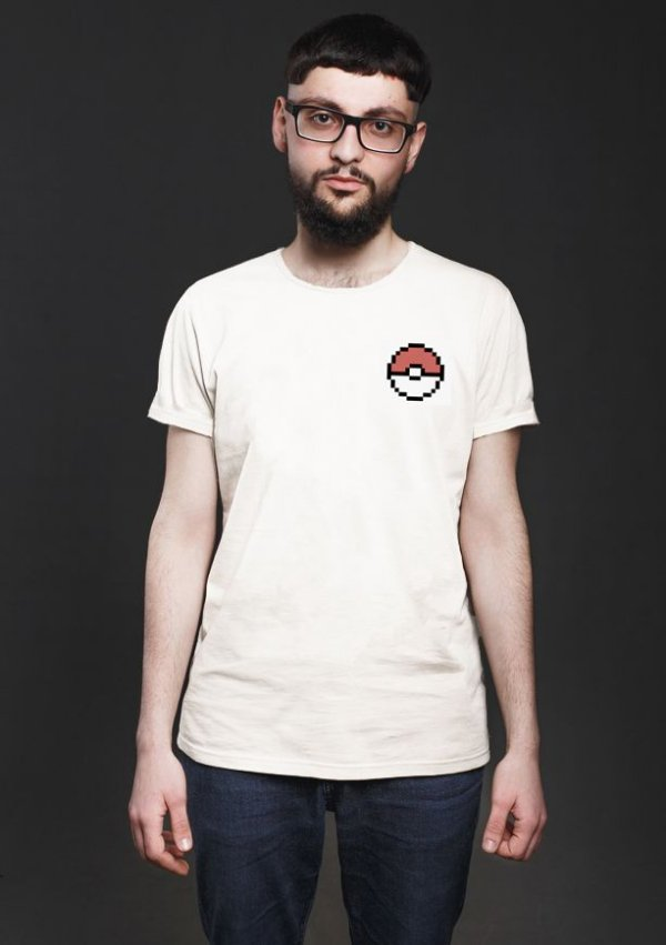 Camiseta Masculina Poke bola - Nerd e Geek - Presentes Criativos