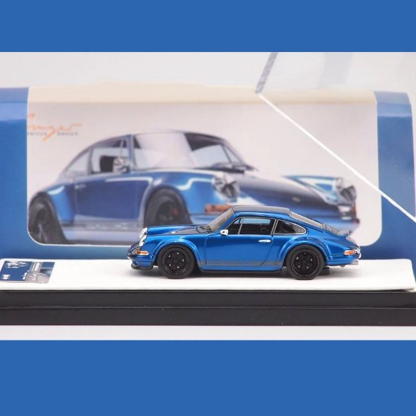 Porsche 911 Singer azul - 1:64 - Timothy & Pierre