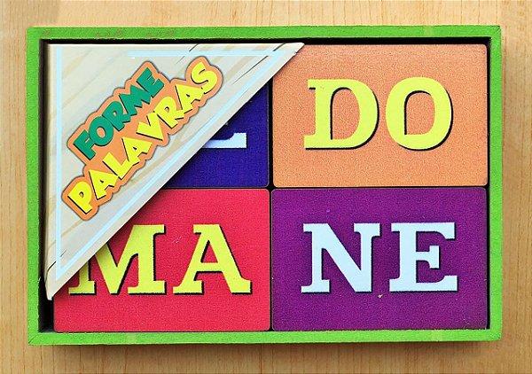 Jogo Forme Palavras com Silabas Pedagógico em Madeira.