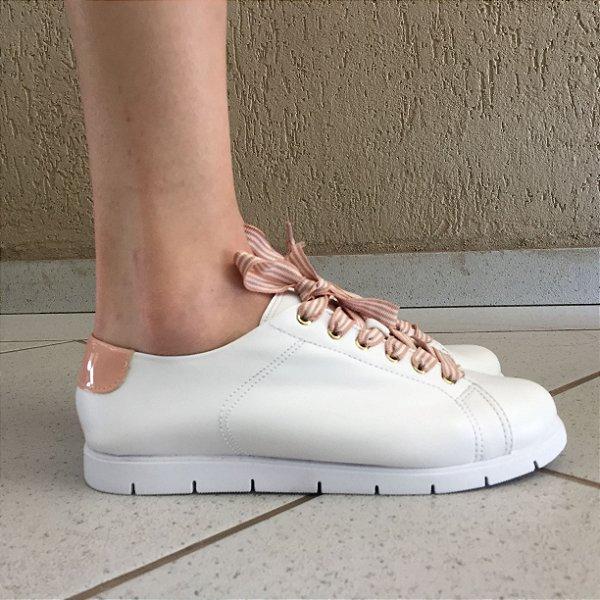 Tênis Branco com Detalhe em Verniz Blush Sua Cia