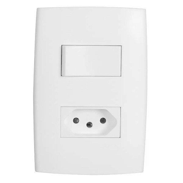 Kit com Placa 4x2, Interruptor Simples e Tomada 20A Separada Branco Astra