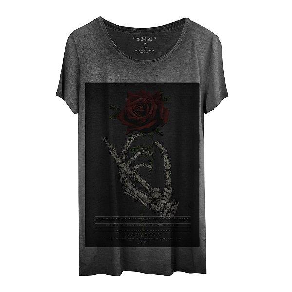 Camiseta Masculina Gola Cavada Korsair Red Rose
