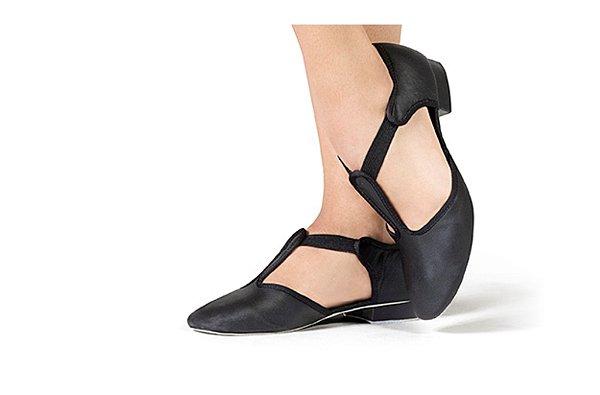 Sapato em Couro Tipo Boneca - Capezio