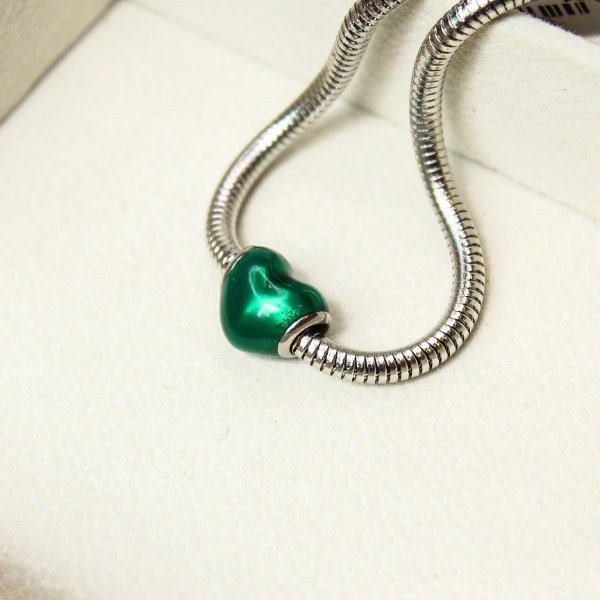 Berloque Separador Coração Verde Liso Aço