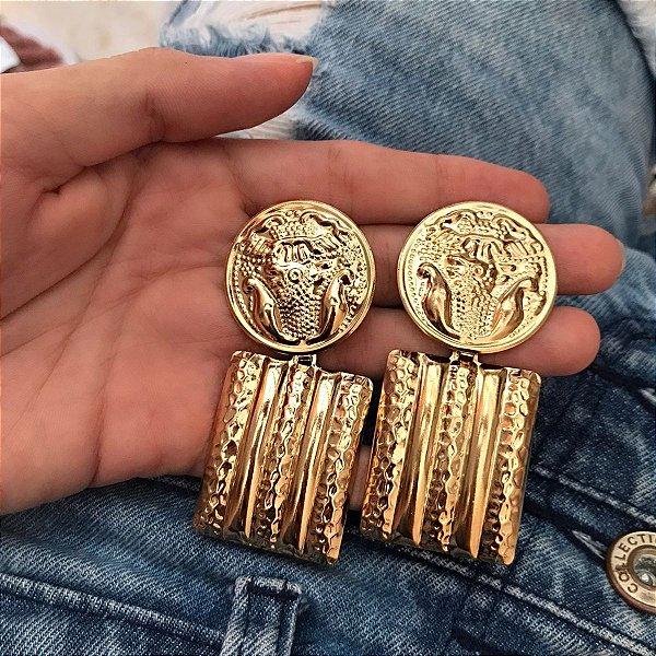Brinco dourado medalha