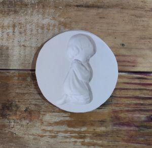 molde de silicone da Menina Ajoelhada, religião