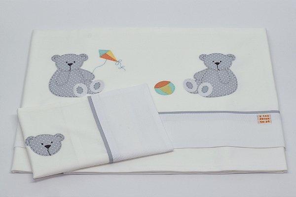 Jogo de Lençol Bordado - Ursinho cinza com pipa