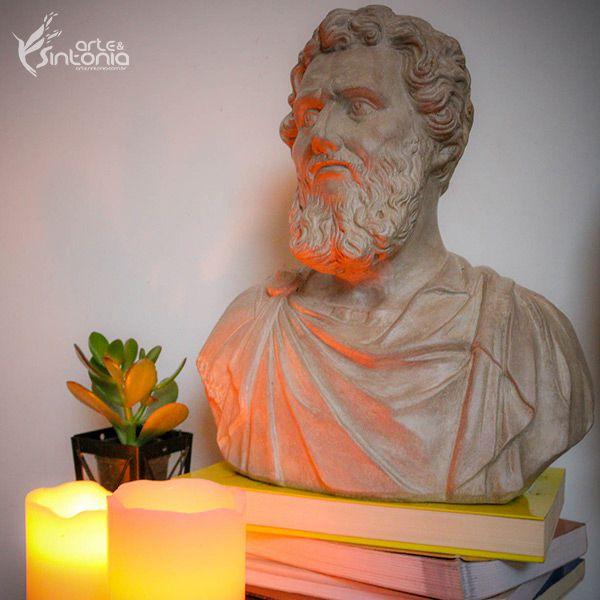 """Busto do Filósofo Grego """"Demócrito"""" 30x24cm"""