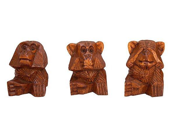 Trio de Macacos (Surdo, Cego e Mudo) em Madeira