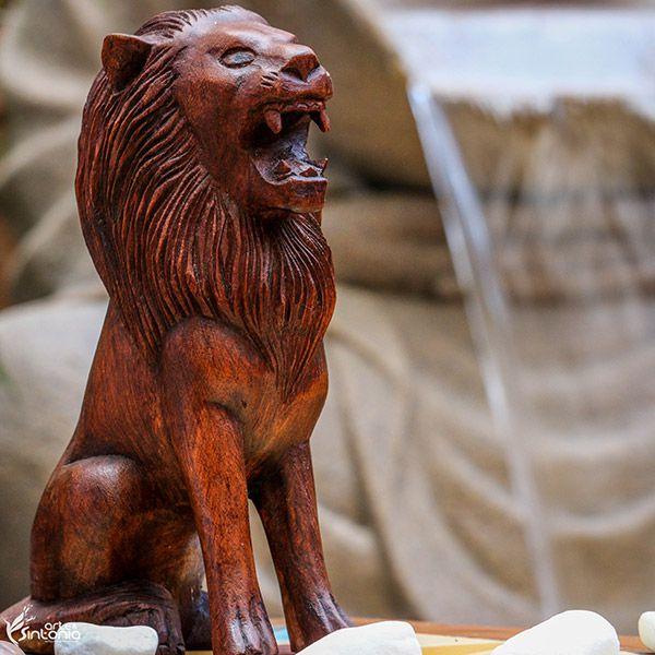 Escultura Leão Sentado em Madeira - Bali