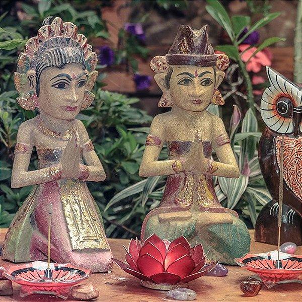 Casal Balinês Antique Orando