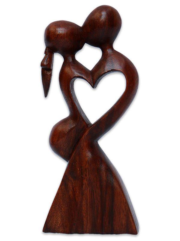 """Escultura Abstrata """"Beijo de Coração"""""""