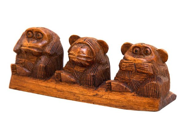 Trio de Macacos da Justiça em Madeira