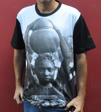 Camiseta básica africana com pote