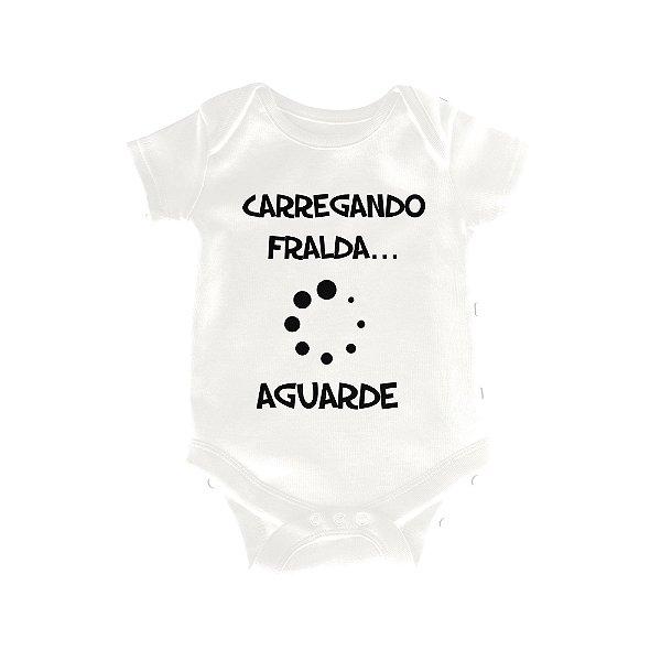 Body ou Camisetinha Infantil Carregando Fralda Branco