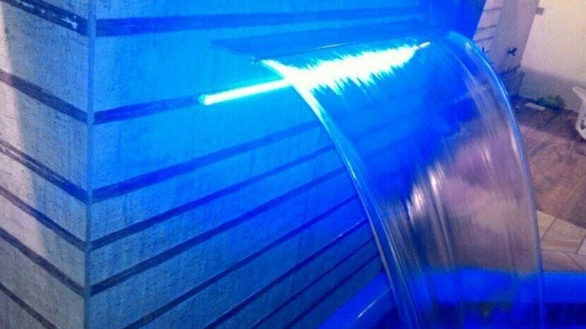 Refletor Led RGBW para cascatas de Piscinas 40cm