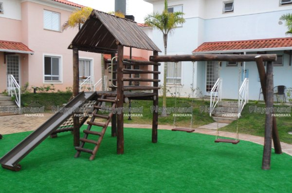 Playground ecológico Casinha do Tarzan/ Condomínio das Acácias