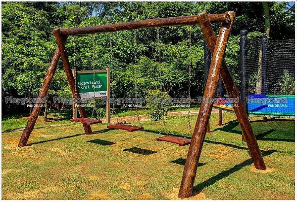 Balanço triplo em eucalipto / Condomínio Tivoli Park