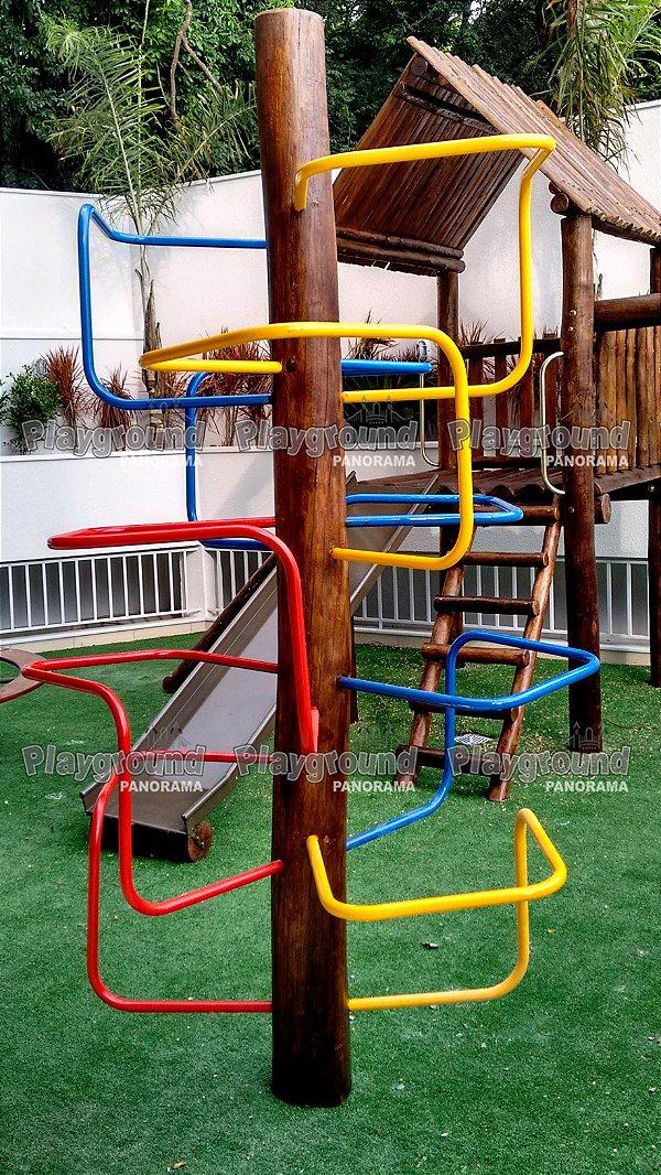 Playground Infantil modelo escada árvore / Condomínio Plaza Madrid Campolim