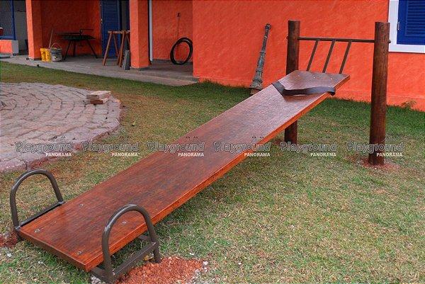 Prancha abdominal / flexão - Instalado em chácara no Condomínio Santa Maria