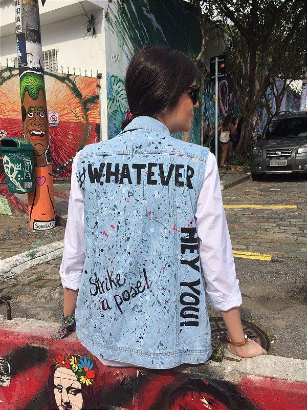 colete jeans pintado à mão | juli | coleteria