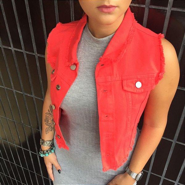 colete jeans cropped destroyed | aquarela vermelho | coleteria